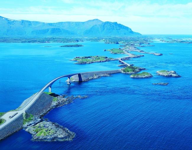 O Atlanterhavsveien en noruego.2