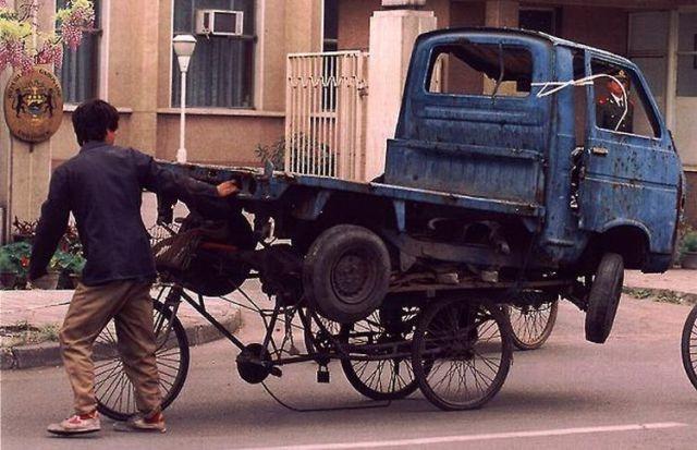 Las 30 formas más PELIGROSAS de transportar cosas... ¡A lo que puede llegar el ingenio...! - 30