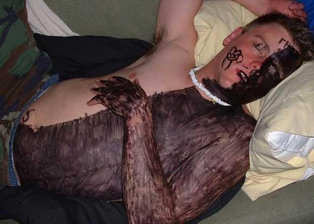 14 razones por las que no deberías quedarte dormido en una fiesta. ¡Ya estás avisad@! - 10