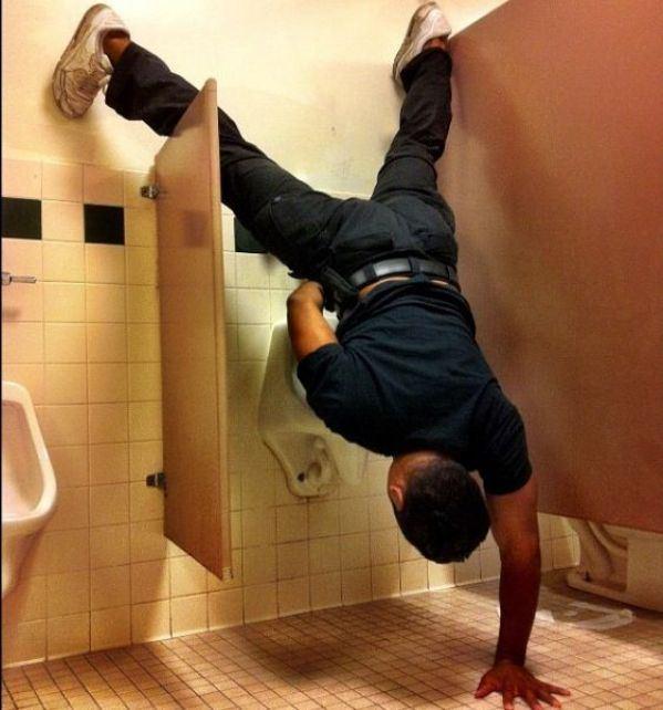 29 situaciones en baños que no te puedes perder - 26